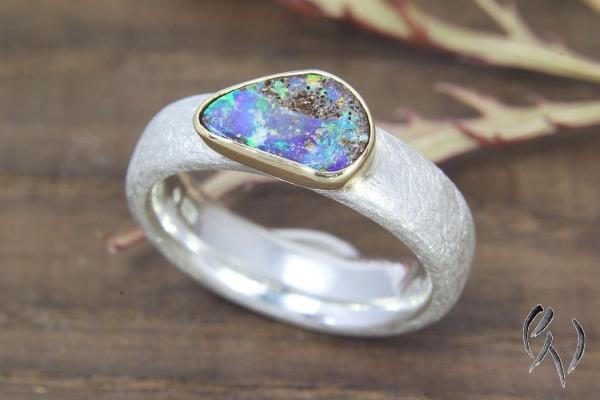 Ring  Silber 925/- mit tropfenförmigen Opal